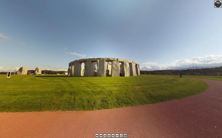 s-Stonehenge.jpg